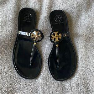 Tory Burch: mini Miller thong sandal